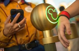 Disneyland géopositionne ses visiteurs pour le poposer des services personnalisés